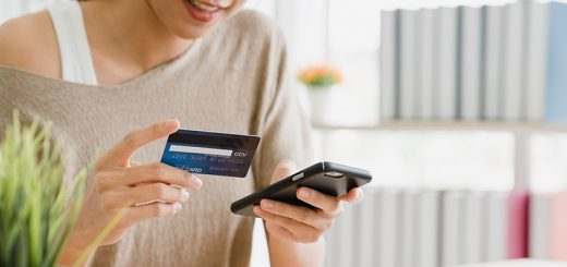 Pesquisa aponta uso cada vez maior do smartphone nas compras online